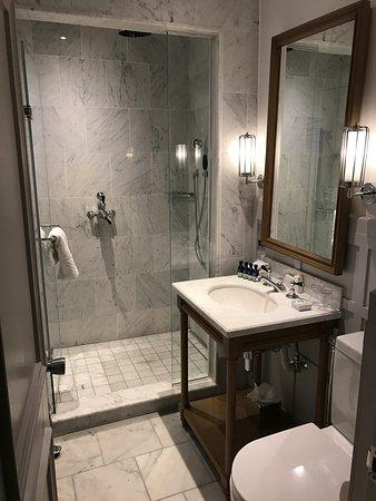 small but nice bathroom picture of the principal york, york