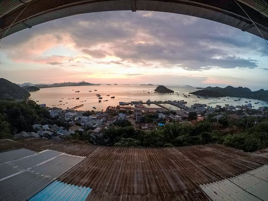Bayview Gardens Hotel: Bird Eyes View Of Labuan Bajo From Bayview Gardens!
