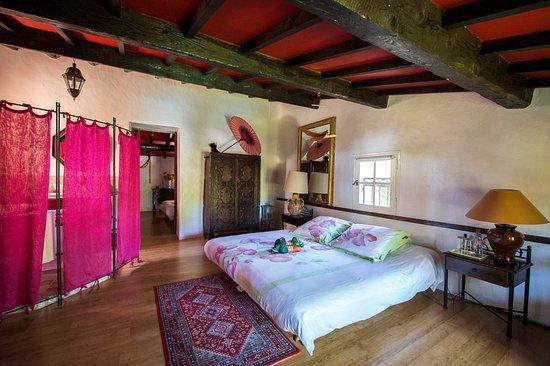"""Saint-Marc-Jaumegarde, França: chambre """"Bergerie"""""""