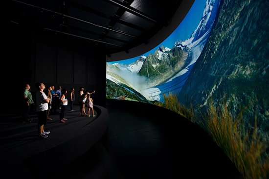 "Word Nature Forum - UNESCO World Heritage Swiss Alps Jungfrau-Aletsch: Il Patrimonio Mondiale Swiss Alps ""Jungfrau-Aletsch"" nel cinema panoramica"