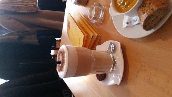 Göttingen, Allemagne : Yogi Tee