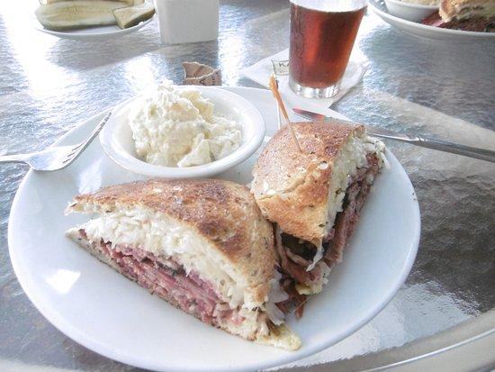 Los Alamitos, Califórnia: Reuben Sandwich
