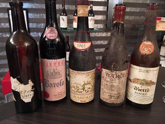 Castiglione Falletto, Italia: Examples of some past vintages