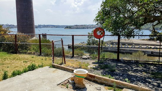 Toilet with a view, Cockatoo Island