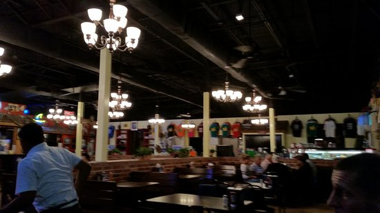 Daddy's Seafood & Cajun Kitchen : dining space