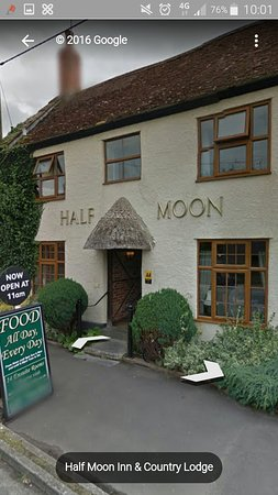 Half Moon Inn & Country Lodge
