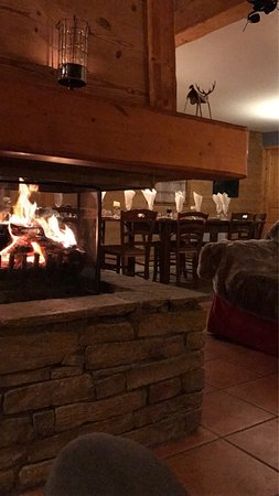 Saint-Martin-de-Belleville, France: Welcomed back to Chalet Kimberley after a day on the snow with a warm, cosy ambience, and a cold