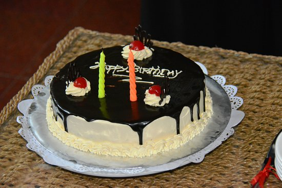 Parigata Resort & Spa: The hotel even provided a cake for the birthday boy!