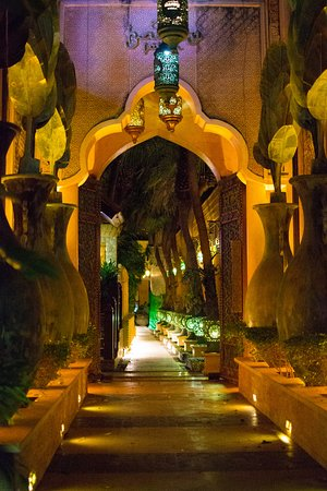 The Baray Villa: The lighting and design is quite a nice oasis
