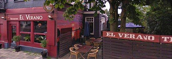 Bussum, Países Bajos: Restaurant met terras