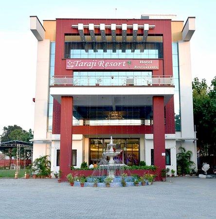 Taraji Resort