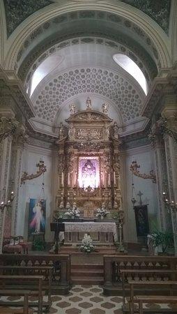 Sant'Angelo in Vado, إيطاليا: L'altare maggiore