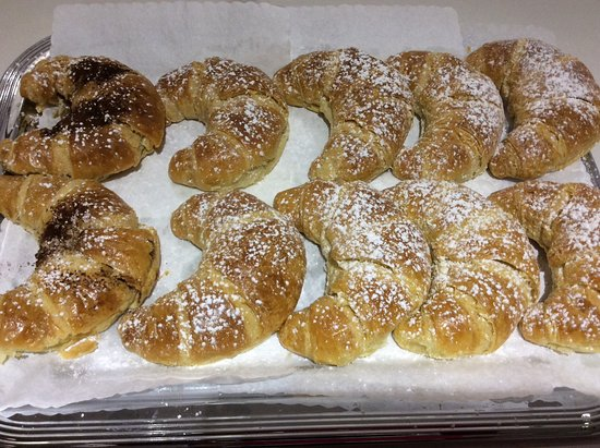Rheinbrohl, Duitsland: Verschiedene belegte Croissants