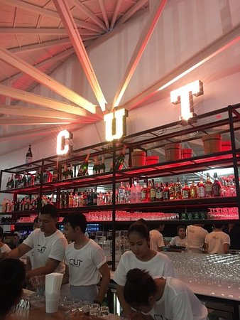 Cut Grill & Lounge