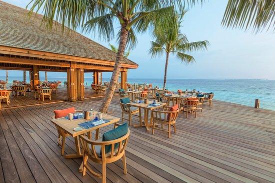 Lhaviyani Atoll: Hurawalhi Canneli Restaurant Exterior