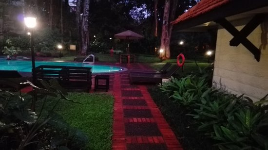 Southern Sun Mayfair Nairobi: One of the two pools available