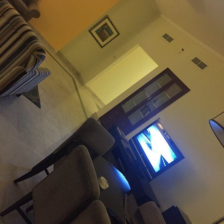 Dubai Marriott Harbour Hotel & Suites: More like a serviced apartment
