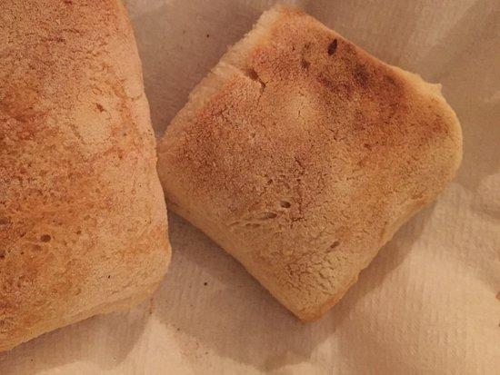 Aich, ออสเตรีย: Чаабатта из печи. Хлеб