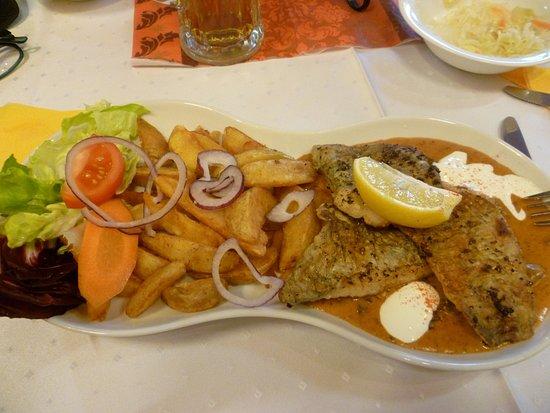 Mosonmagyarovar, Hongrie : Zanderfilet mit würzigen Kartoffeln
