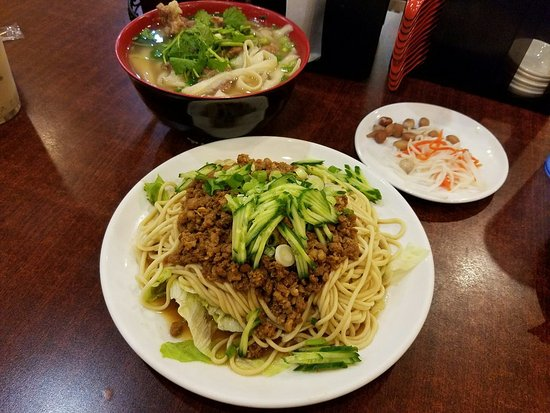 Chandler, AZ : Ox Tail with Soup Noodles, Noodles with Minced Pork Sauce