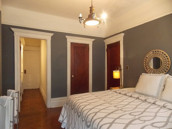 Serenity at home guest house llc updated 2017 guesthouse for Guest house cost