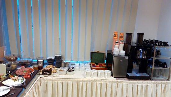 Hotel Vaka: Breakfast