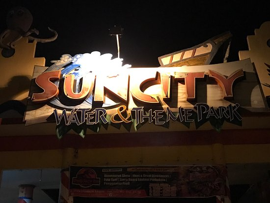 Madiun, Indonesia: Suncity Water & Theme Park