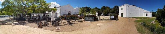 Constantia, South Africa: Simons Restaurant - panorama view