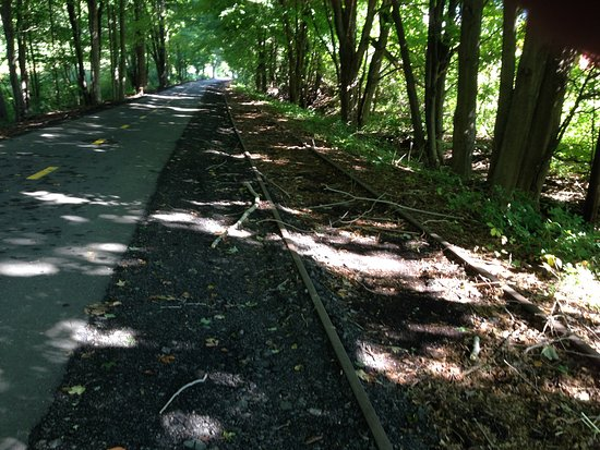 Connecticut: Trail runs along old RR Tracks