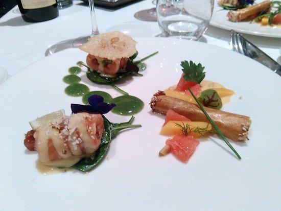 Corenc, Prancis: entrée roulés au saumon à 3 façons