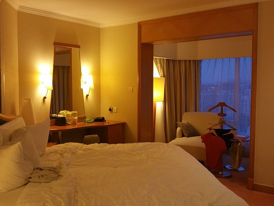Shangri-La Hotel, Singapore: 20160520_191142_large.jpg