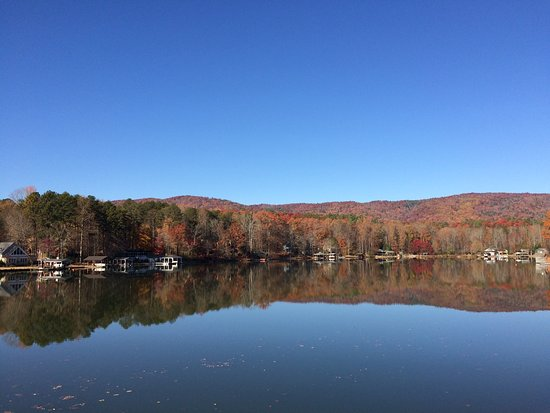 Salem, เซาท์แคโรไลนา: Lots of fall color even in late November