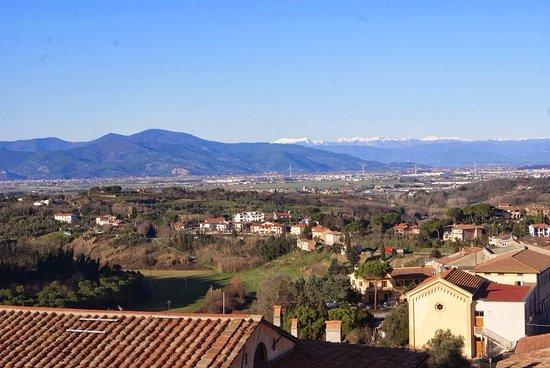 Lari, Italie : Panorama dal castello
