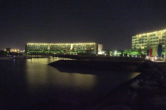 Al Mussanah, Umman: Il porto e l'Hotel