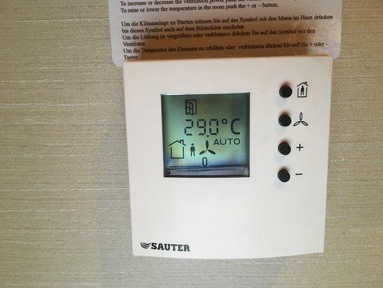Ramada Sibiu: Temperatur nach einer Stunde lüften