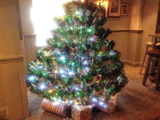 Bracknell, UK: Their unique bottle Christmas Tree