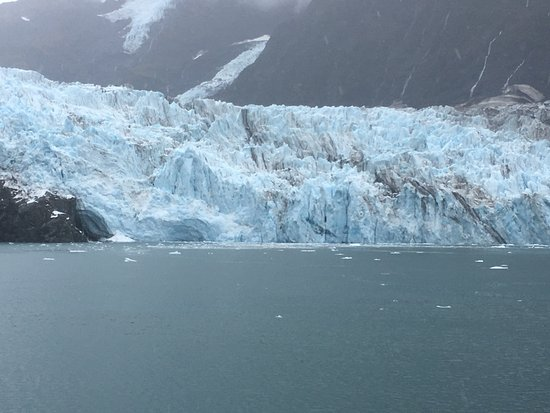 26 Glacier Cruise by Phillips Cruises and Tours: as we were traveling closer to the glacier