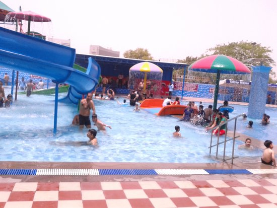 Aapno Ghar Amusement and Water Park: Excellent