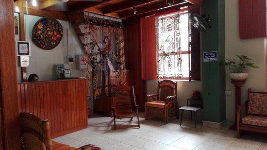 Hostal El Colibri: Recepción