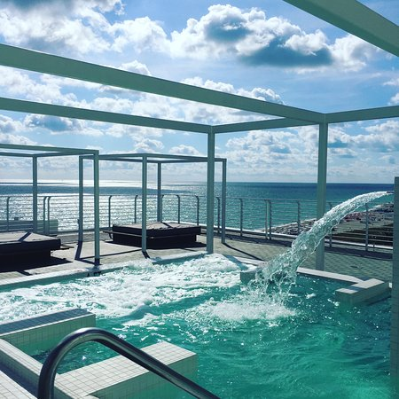 Como Metropolitan Miami Beach Roof Top Hydrotherapy Pool With Amazing Views Of