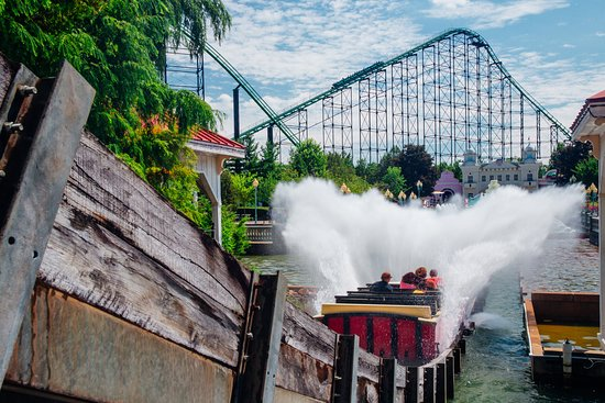 West Mifflin, Pensylwania: Some of the best photo ops can be found in Lost Kennywood, where the Pittsburg Plunge soaks ride