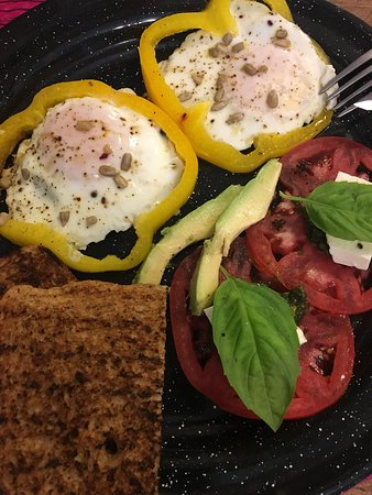Nomada Organics & Gourmet