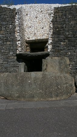 Donore, Ireland: The tomb entrance!