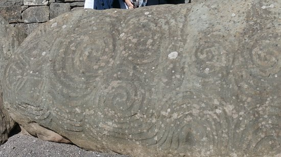 Donore, Ireland: Carvings on the stone in front of the Brú na Bóinne tomb entrance!