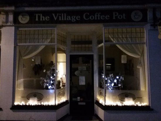 Milford on Sea, UK: Christmas at The Village Coffee Pot
