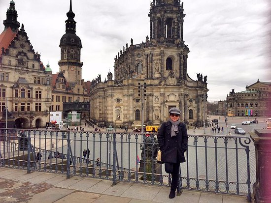 Dresden tour picture of prague airport transfers prague for Dresden to prague