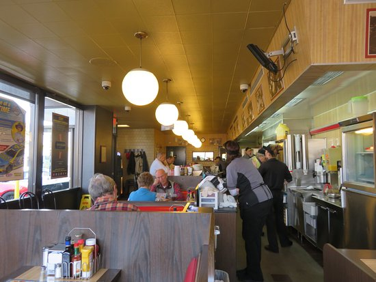 Interior - Waffle House in Lenoir City TN