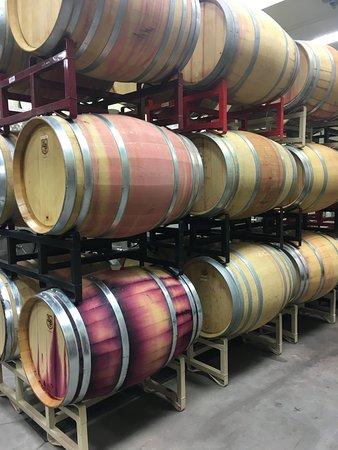 Cleveland, Geórgia: Barrels of wine