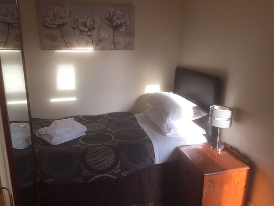 Chipping Norton, UK: single room, 1st floor