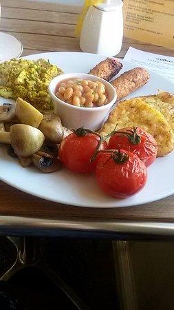 Chipping Sodbury, UK: Vegan Breakfast - scrambled tofu, Linda M sausages, hash browns, tomatoes, beans & mushrooms.